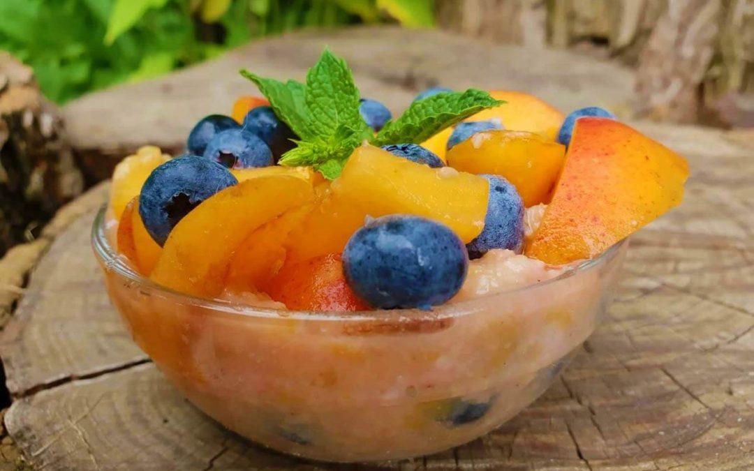 Így készíts gyorsan és egyszerűen egészséges makrobiotikus nyári gyümölcsdesszerteket