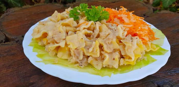 Káposztás tészta (kukoricatésztából)